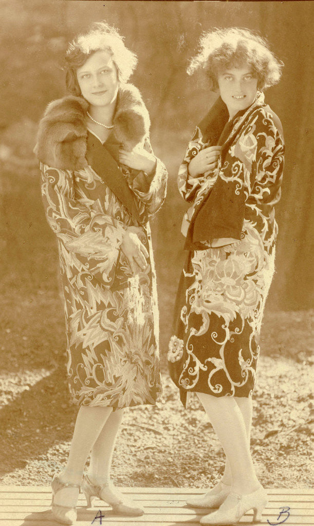 Detail of Fashion Photo Wiener Werkstätte embroidered clothes, models with two coats by Anonymous
