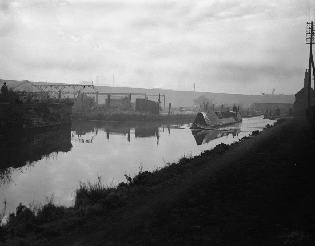 Detail of A narrow boat makes it way through the Manure lock basin at Wolverhampton by Carter