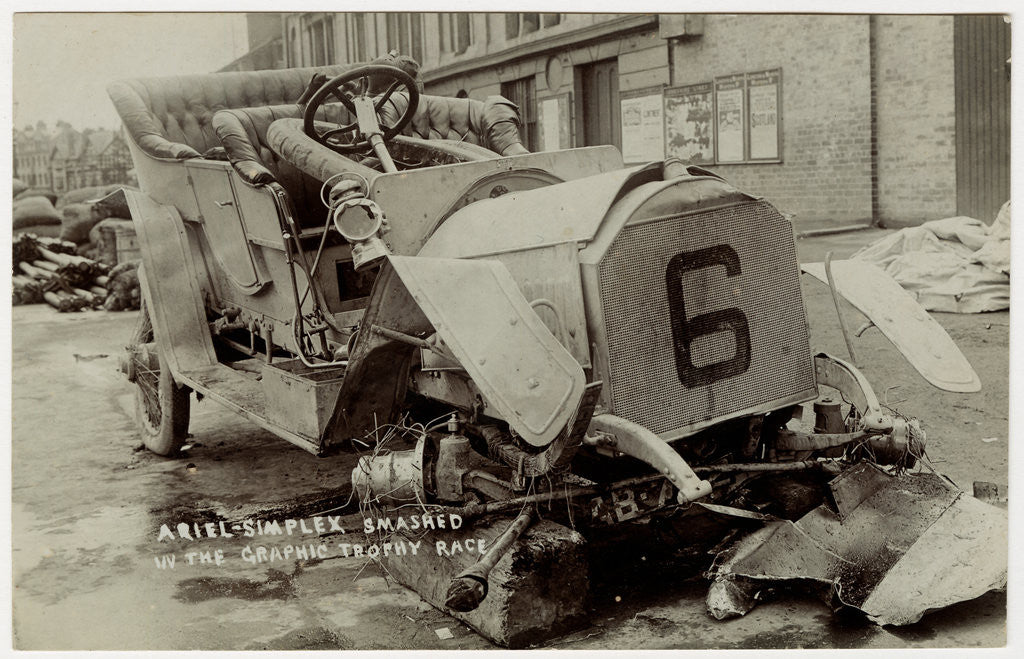 Detail of Ariel-Simplex smashed in the 1907 Heavy Touring Motorcar race by Anonymous