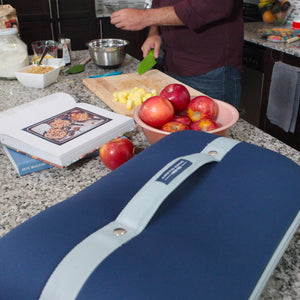 Food Pro Deluxe Thermal Carrier - Lifestyle baking