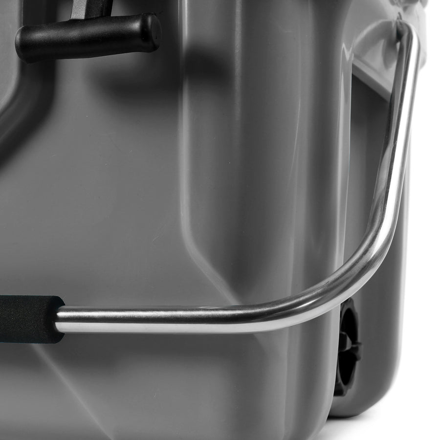 Titan Deep Freeze® 20Q High Performance Cooler - Handle detail