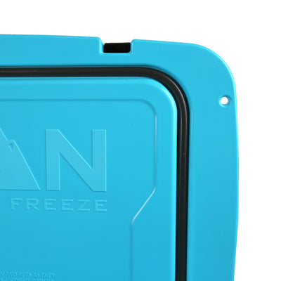 Titan Deep Freeze® 55Q Premium Ice Chest - Blue - Lid seal