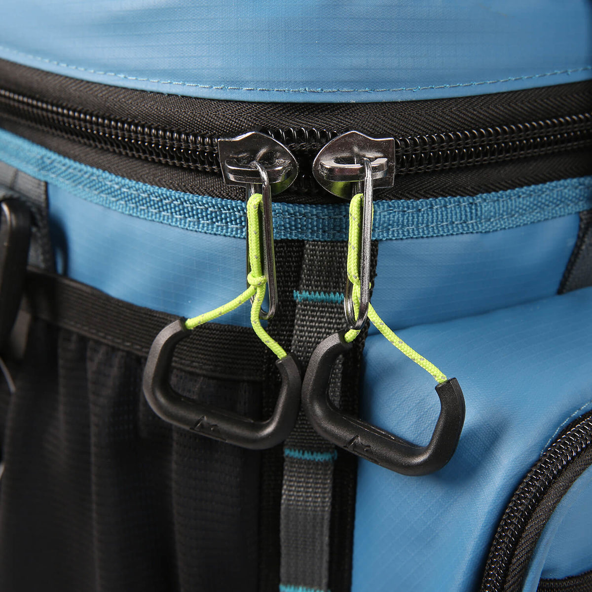 Titan Guide Series™ 36 Can Cooler - Zipper pulls