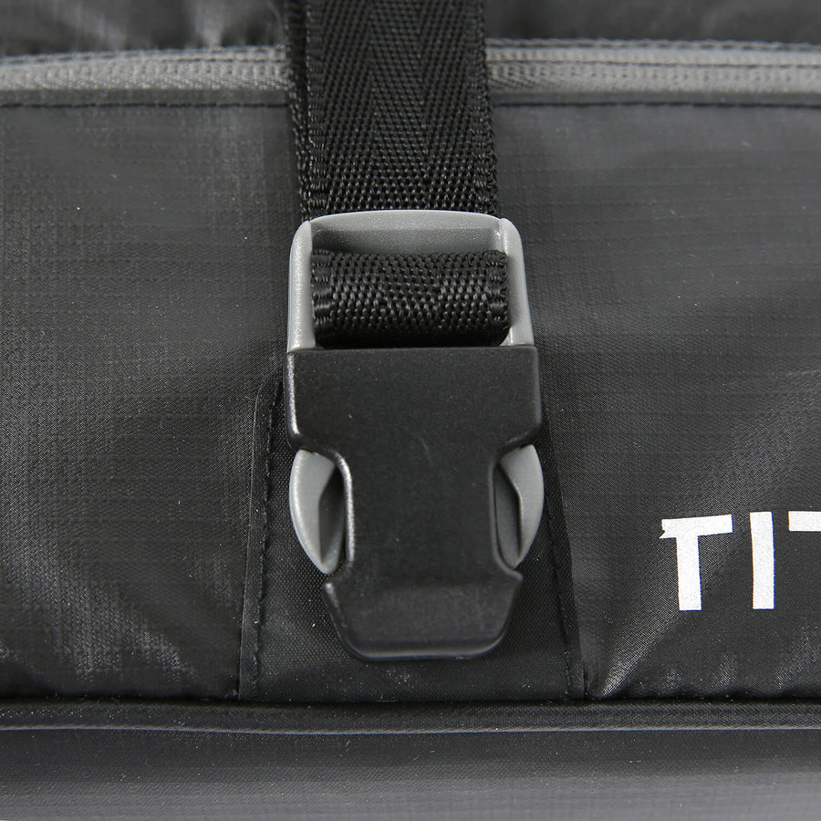 Titan Deep Freeze® Zipperless™ Lunch Box - Clip Detail