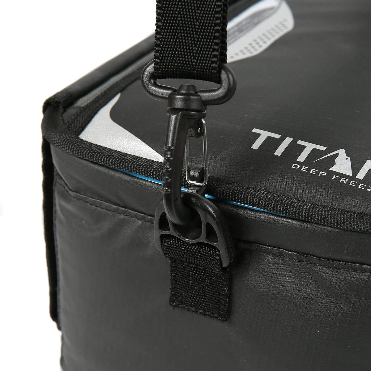 Titan Deep Freeze® Zipperless™ Lunch Box - Hook detail