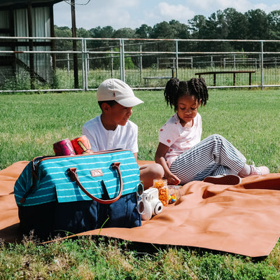 30 Can Insulated Picnic Carrier - lifestyle - children picnic