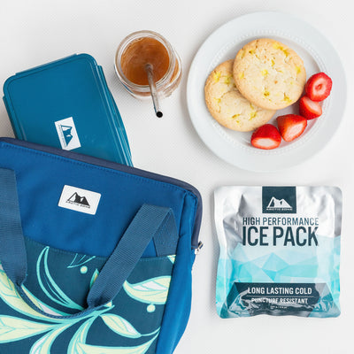 Arctic Zone® High Performance Meal Prep Lunch Bag M.D. - Leafy Lime - Lifestyle, a quick snack at the office