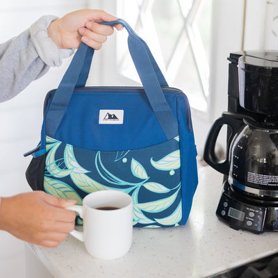 Arctic Zone® High Performance Meal Prep Lunch Bag M.D. - Leafy Lime - Lifestyle, grabbing some coffee before work