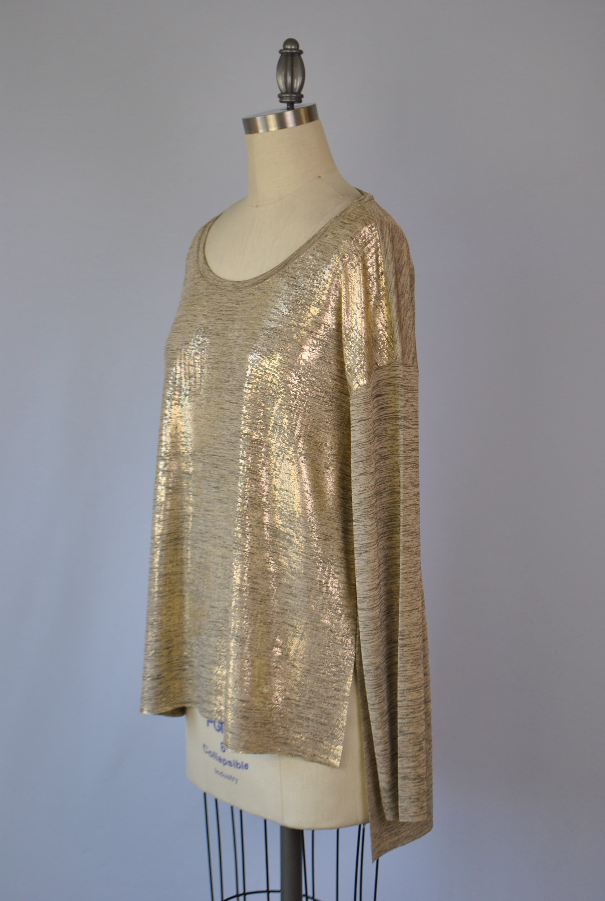 Metallic Long Sleeve V Neck Top D1246
