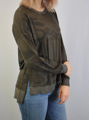 Camo Print Oil Dye Side Vent Pullover Top