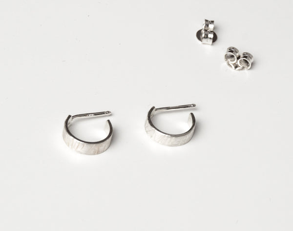 Mini-mal loop earrings small 2