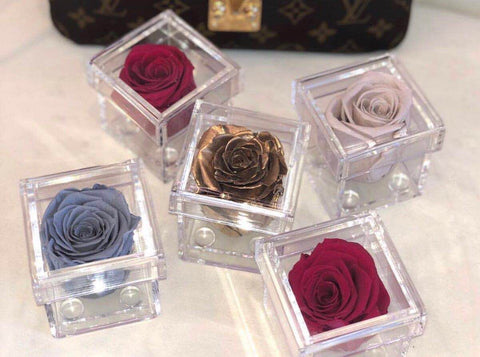 Mini Single Rose Acrylic box For Flowers and gifts
