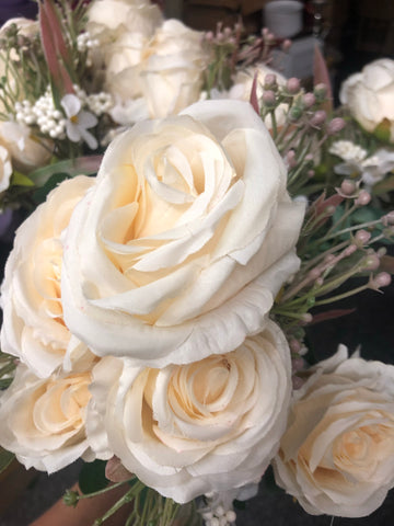 Champagne ROSE BUNCH With fillers - Richview Glass Wedding Supplies