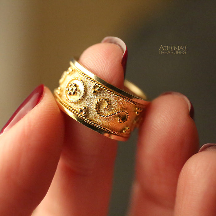 Billias Band Ring
