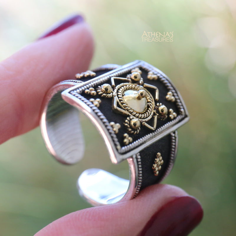 Roman Shield Black Silver Ring