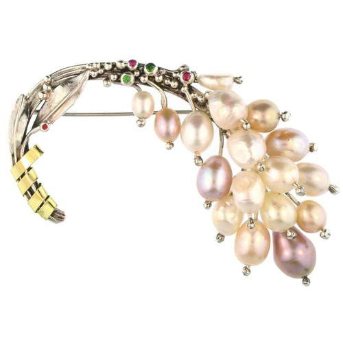 Weeping Pearls Bouquet Pin