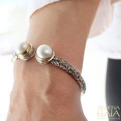 Meadow Breeze Pearl Hinge Open Bracelet
