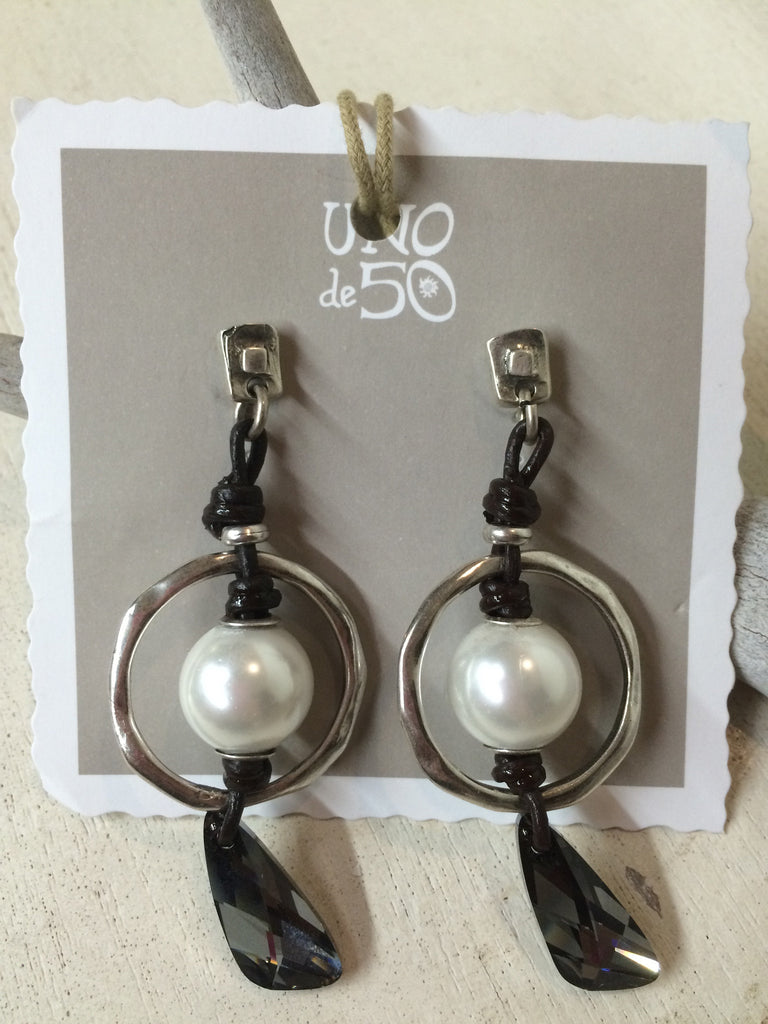 Pearl of Wisdom Earrings
