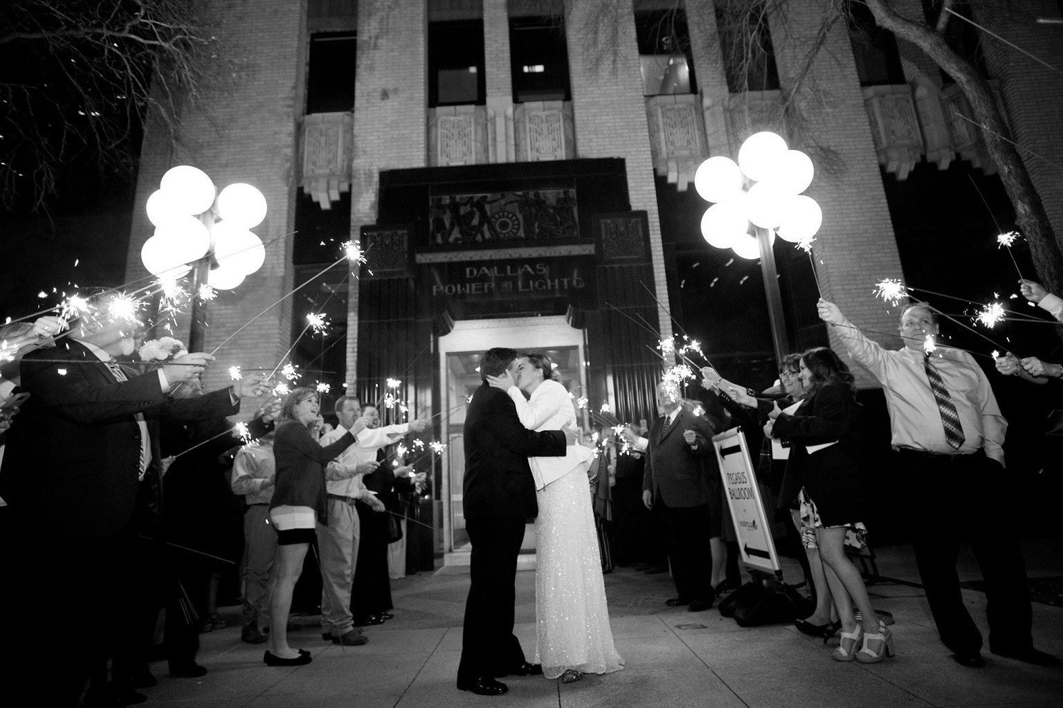 A Downtown Dallas Winter Wedding