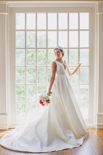 Lone Star Mansion Bridals, Pink Bouquet, White Wedding Gown