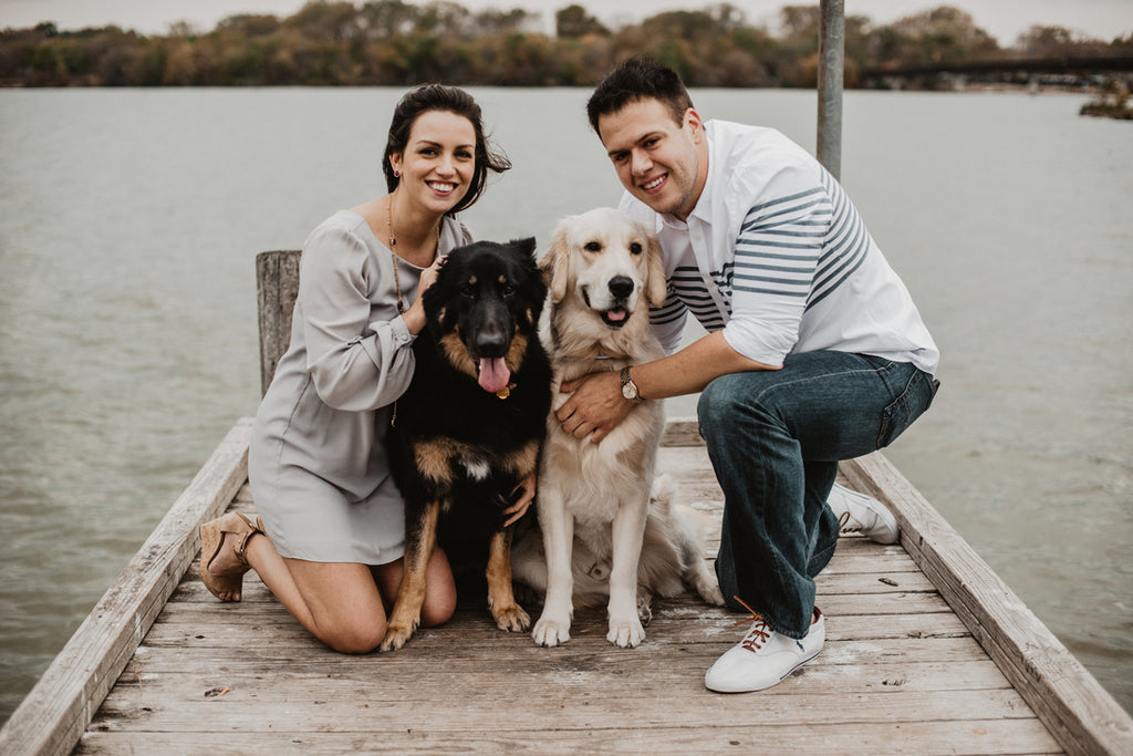 White Rock Lake Engagements, Casual Chic Attire, Dog Poses, Lakeside Pictures