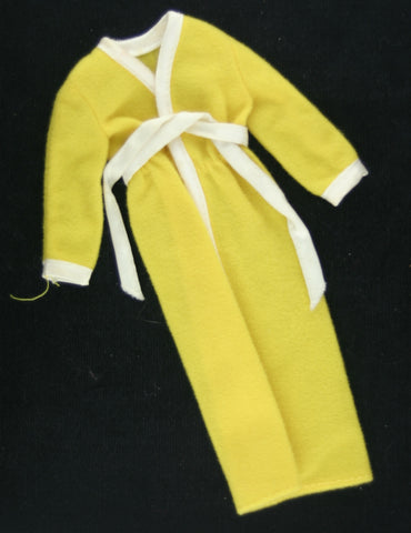 Vintage Barbie Best Buy #9623 -- Yellow Bath Robe
