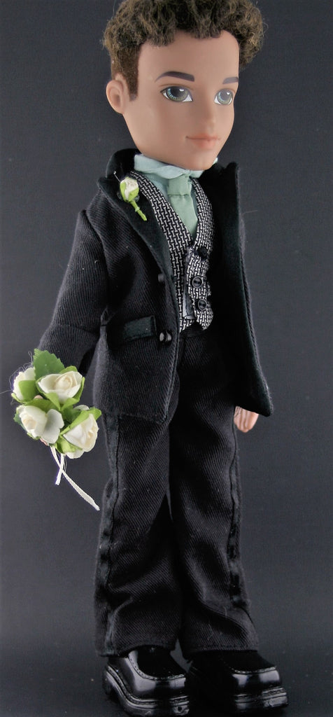 Dressed Bratz Doll -- Formal Funk Dylan W/ Lots of Clothes, Accessories