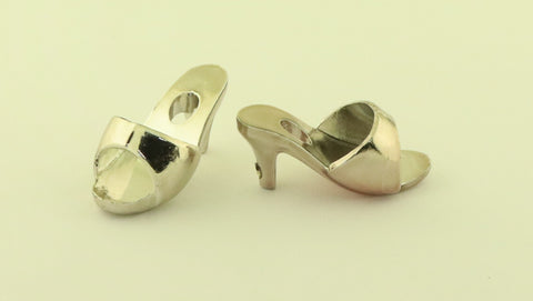 Kenner Darci Shoes -- Silver Mules, Excellent
