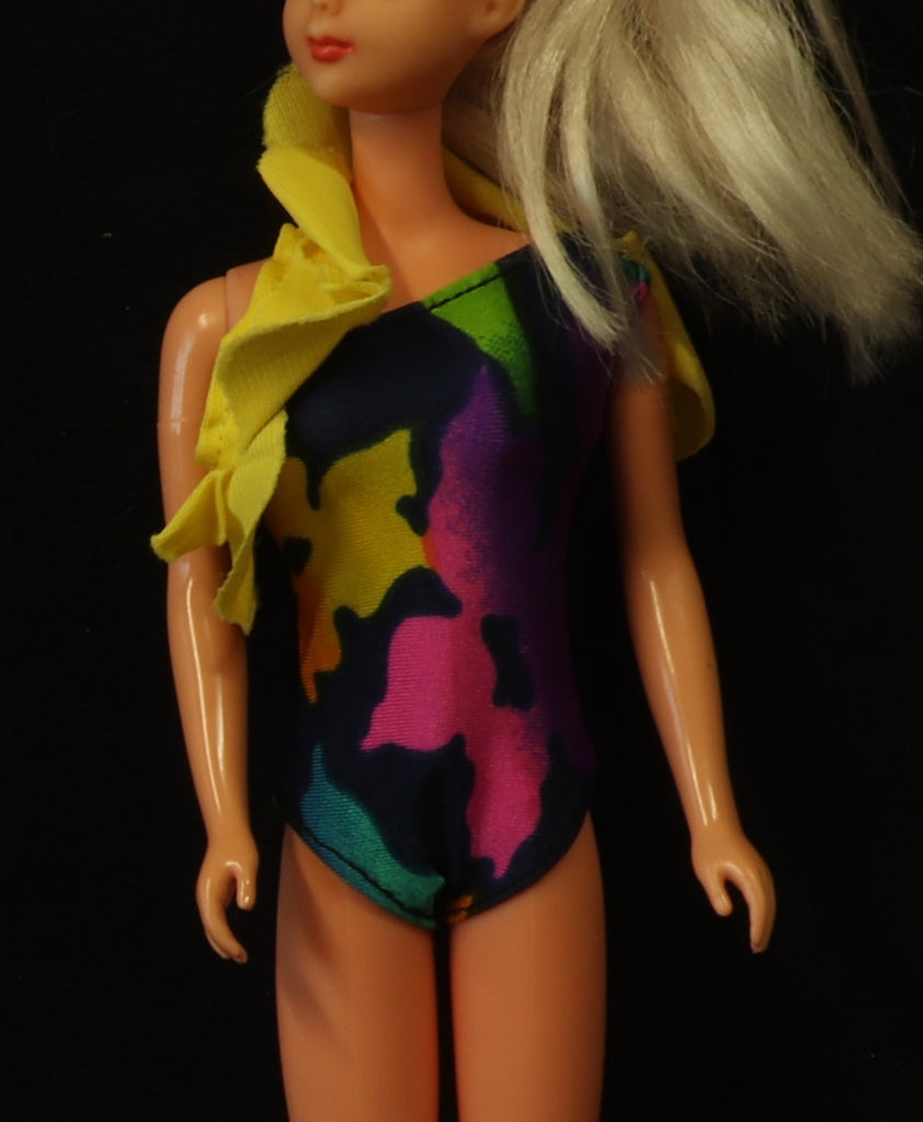 Tropical Barbie & Friends Swim Suit and Ruffle (1986)