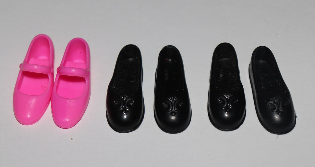Flat Footed Barbie Shoes -- TLC Singles Lot Mary Janes Ballet Flats -- Fit Liv