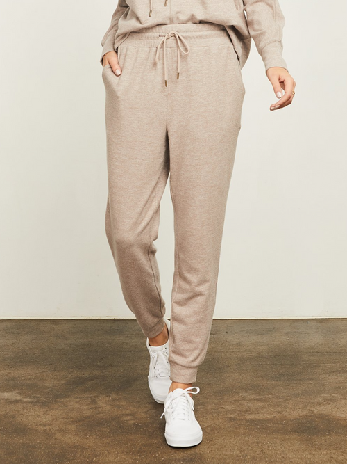 Lawrence Pant l Heather Brown