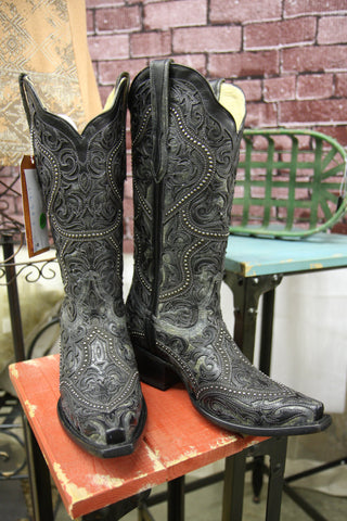 Corral Women's Full Overlay and Stud Boots-Snip Toe