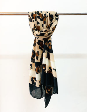 Acton leopard scarf in Black & Cream