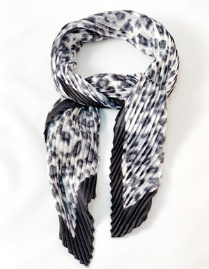 Farah hair scarf in Grey leopard