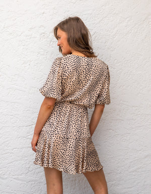 Emmy leopard dress in Beige/Black