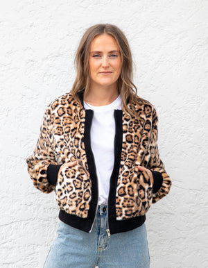 Downtowner bomber jacket in Leopard faux fur