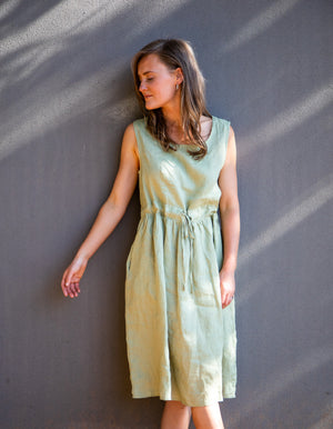 Olympia linen dress in Pistachio