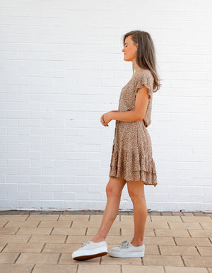 Lula leopard dress in Tan