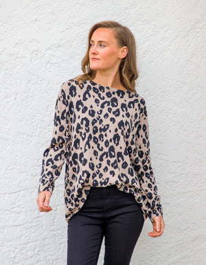 Megan jumper in Taupe leopard
