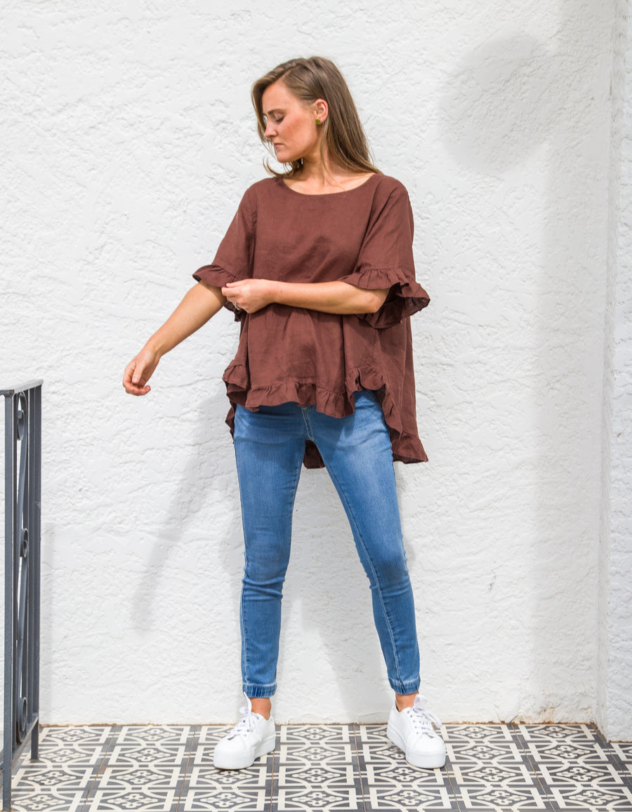 Show Off top in Chocolate linen
