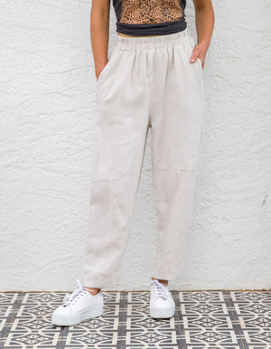 Paula linen pants in Beige