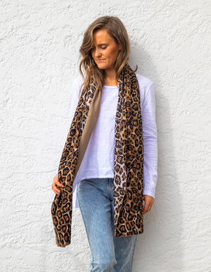 Valetta leopard pleat scarf in Tan