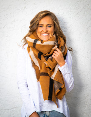 Casleford knit scarf in Tan print