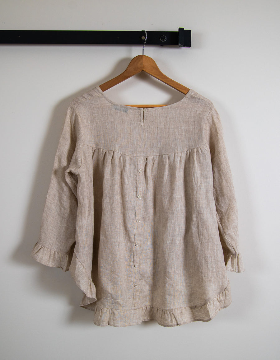 Beatrice linen top in Beige