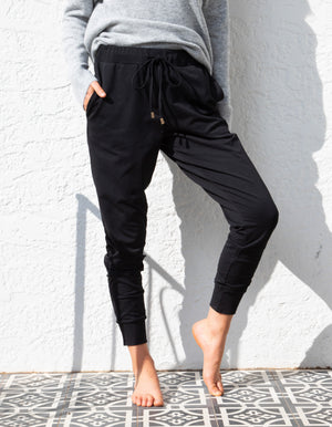 Higher Love jogger pant in Black