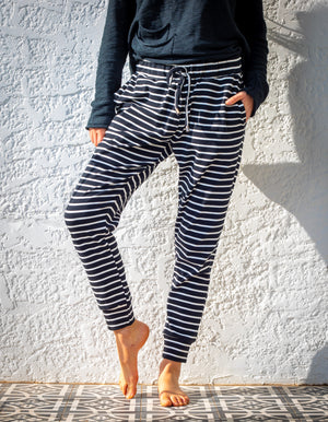 Sierra stripe jogger pant in Black