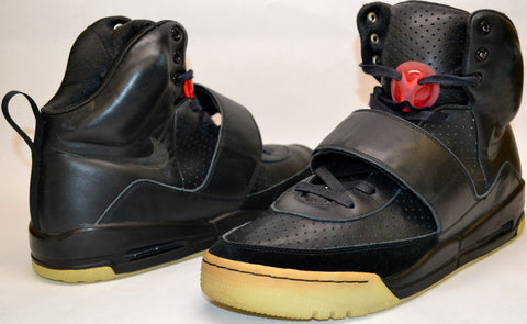 Yeezy 1 Prototype Sample from the Grammys
