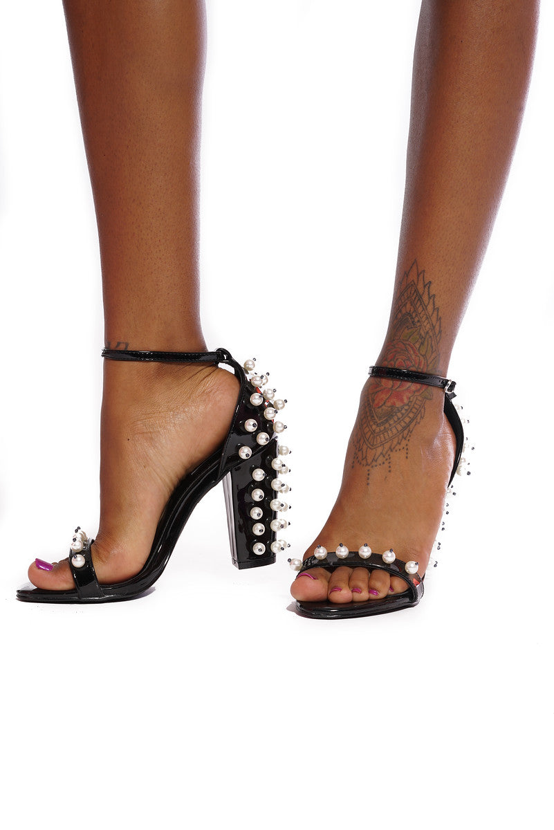 WALKING ON PEARLS STRAPY CHUNKY HEELS