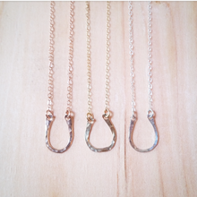 Horseshoe Textured Necklace