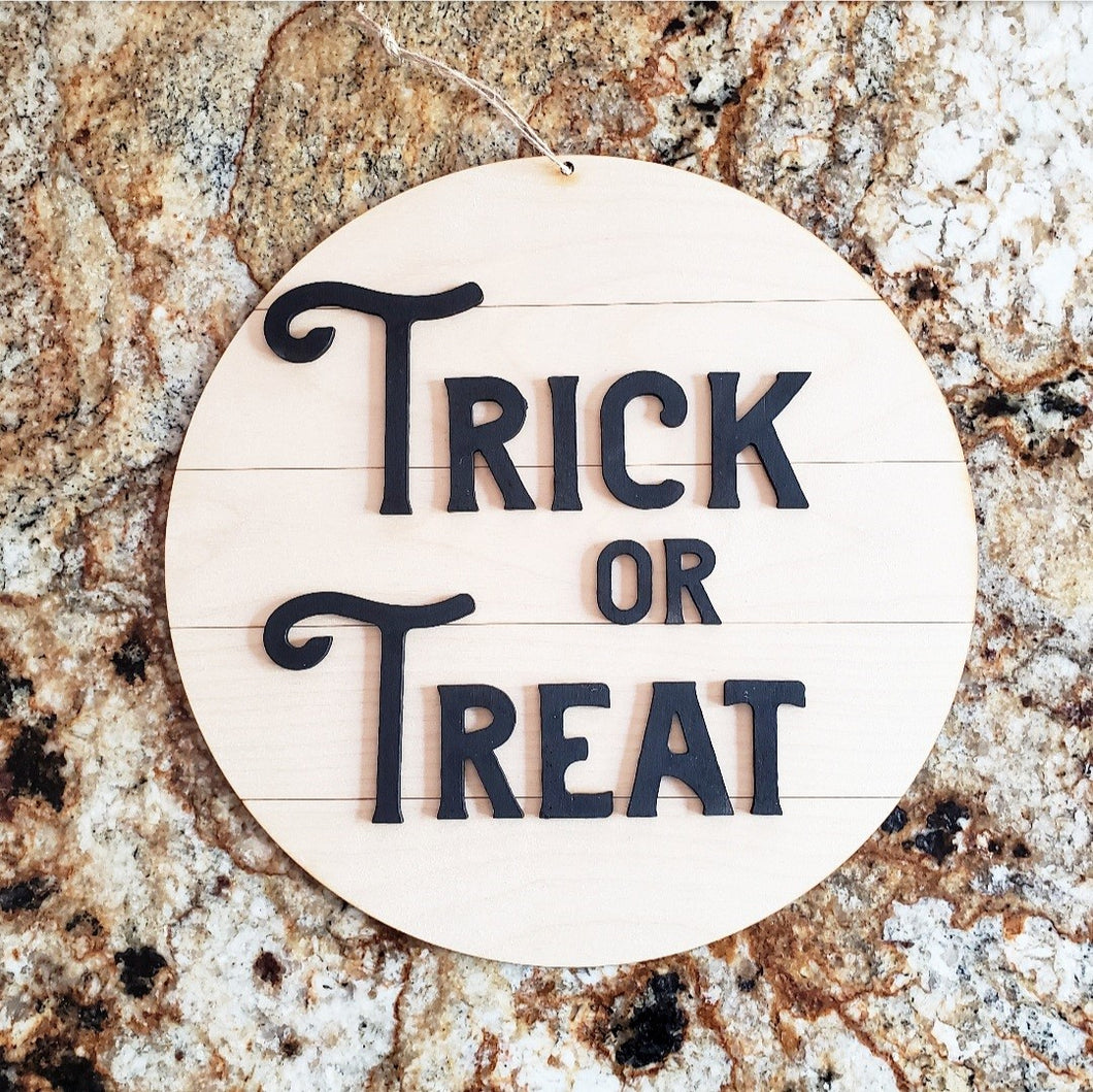 Shiplap Round - Trick or Treat